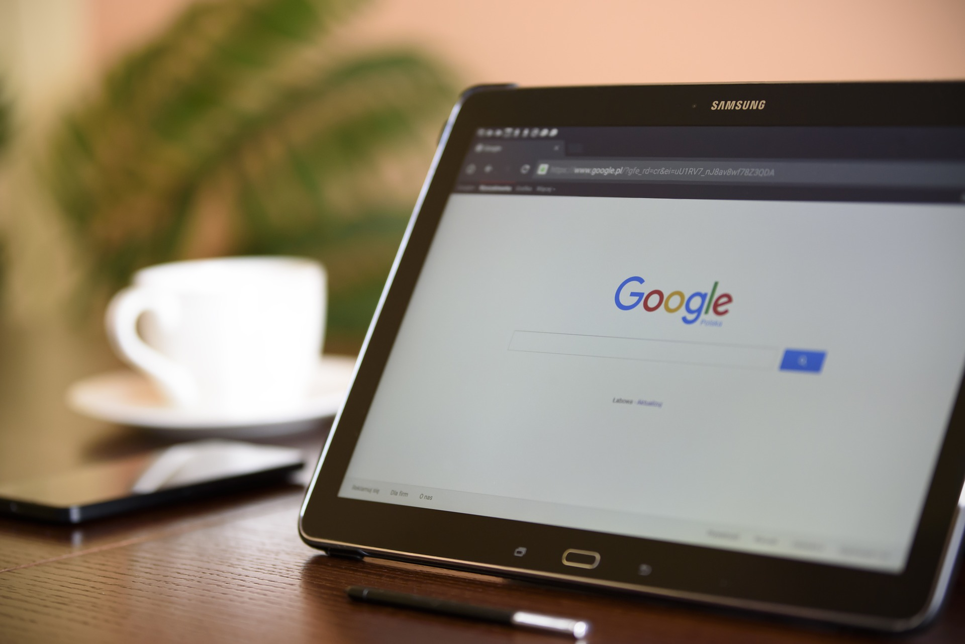 Google Search on Samsung Tablet
